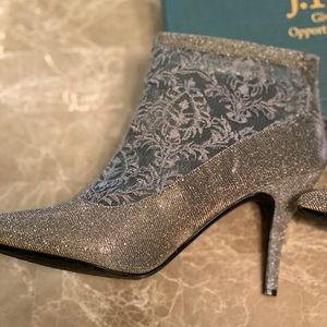 Fabric lace boot